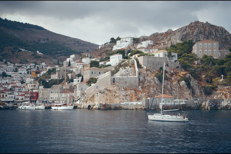 Arrival to Hydra